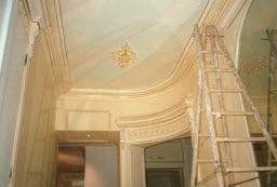 rénovation hotel particulier à paris 6 - peinture décorative du salon