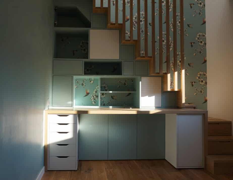 agencement escalier sur mesure avec aménagement sous pente