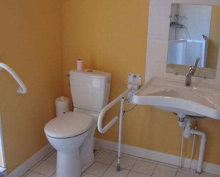 rénovation salle de bains handicapés
